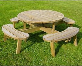 Warwick Circular Picnic Table