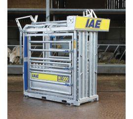 Auto Yoke M1000 Cattle Crush